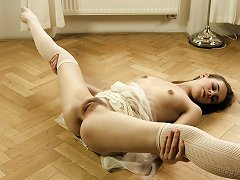 19yo Skinny Ballerina Strips Down And Practices Her Moves In The Nude