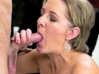 Mature Gilf Sucking Cock Drtuber