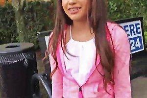 Petite Latina Zaya Cassidy Gives A Perfect Blowjob In A Car