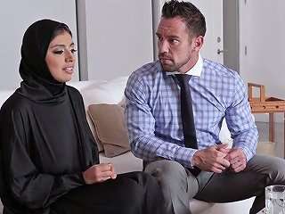 Big Breasted Hijab...