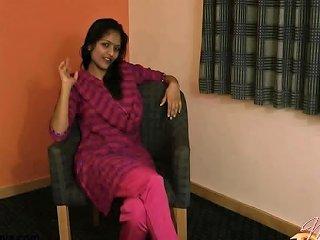 Indian Babe Divya...