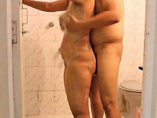 Mona Bhabhi In Shower...