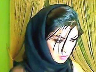 Pakistani Babe On Live...