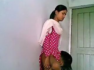 Lucknow College Babe...