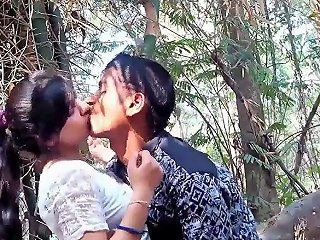 College Couple Gets Horny In Jungle Full Video On Hotcamgirls In
