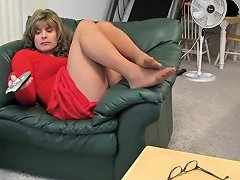 Samantha Red Dress Non Nude