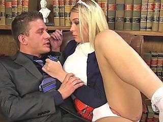Huge Tits Teen Tranny...